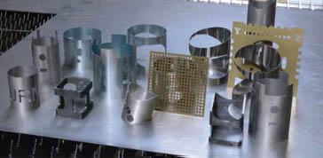 Accurl 1kw 8kw Fiber Laser Cutting Machine For Met16